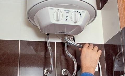 Как подключить водонагреватель и самотк к одному крану для автономной подачи воды